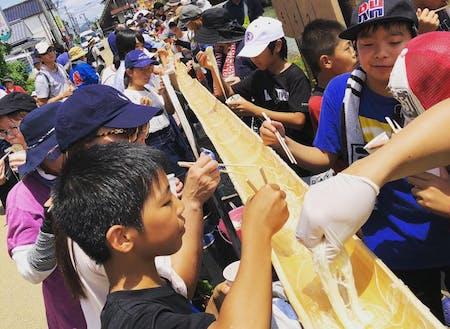 子どもたちで賑わう夏のお祭り