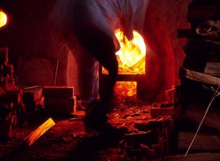 益子焼の作陶の様子