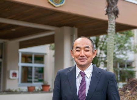 登壇者:地域と協働したキャリア教育を実践している椎葉中学校の有田校長先生