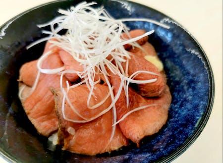 美味しい食べ物が多いのも魅力。毎日のご飯、野菜、お味噌が美味しいって素晴らしいね。