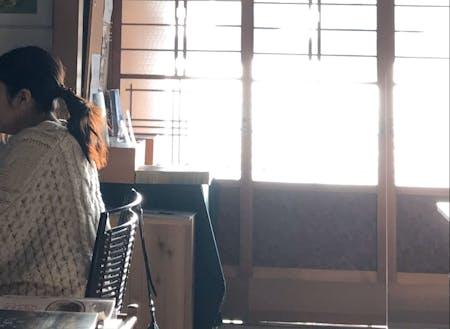 家守の平井さんオーナーの「ケントスコーヒー」での仕事タイム。