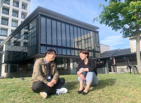写真左から、市担当者の沖中さん、島﨑さん。島﨑さんは金融機関での経験を家業や地域支援に活かそうと考え中の、みなさんと同じチャレンジャーです!