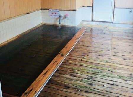 コンコンと湧き出る温泉で身体の芯から暖まります 八幡平温泉郷志張温泉