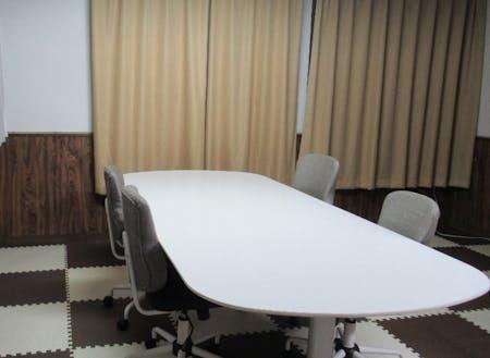 加賀市・かりぐらしの家の事務スペース