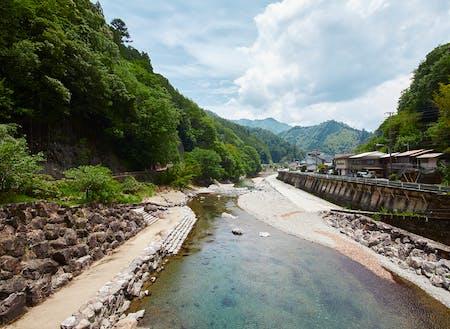 アユやアマゴ釣り川遊びで人気急上昇中!!ホテルの目の前を流れる清流「北山川」