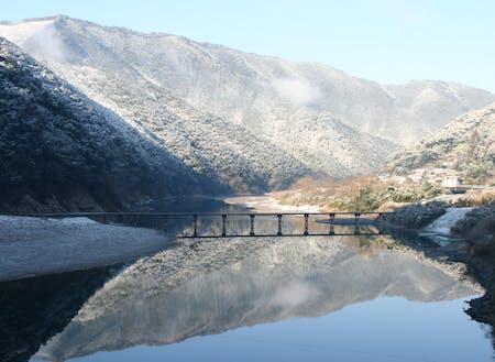冬には積雪も。刻一刻と変わる絵のような景色。