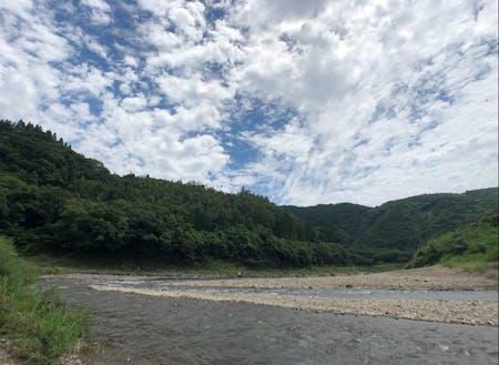 近くの川。大淀川の支流
