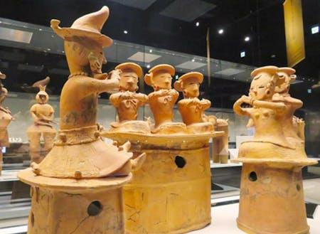 綿貫観音山古墳出土の「三人童女」の埴輪(国宝)