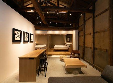 藤井家の目の前、1棟貸しの宿「閂(カンヌキ)168」